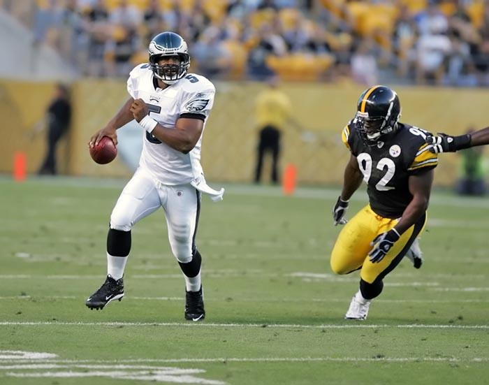 QB Donovan McNabb rolls out of the pocket